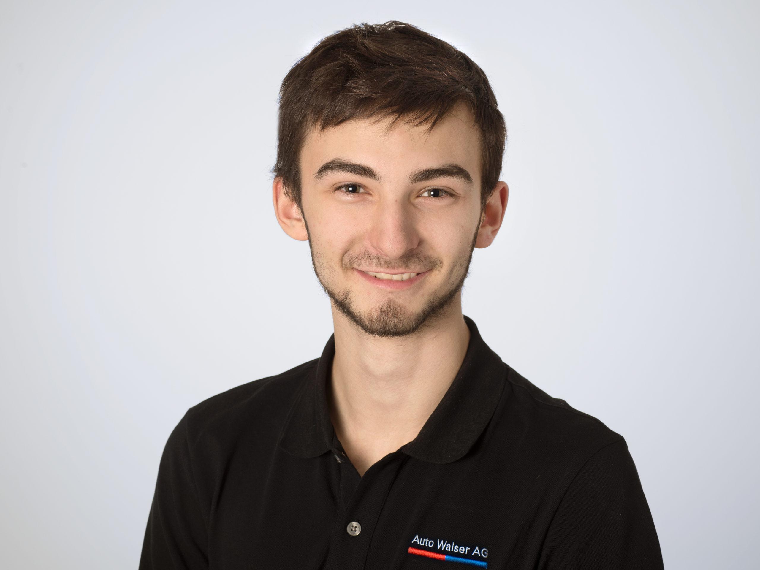 Vladimir Lali : 2. Lehrjahr Automobilfachmann