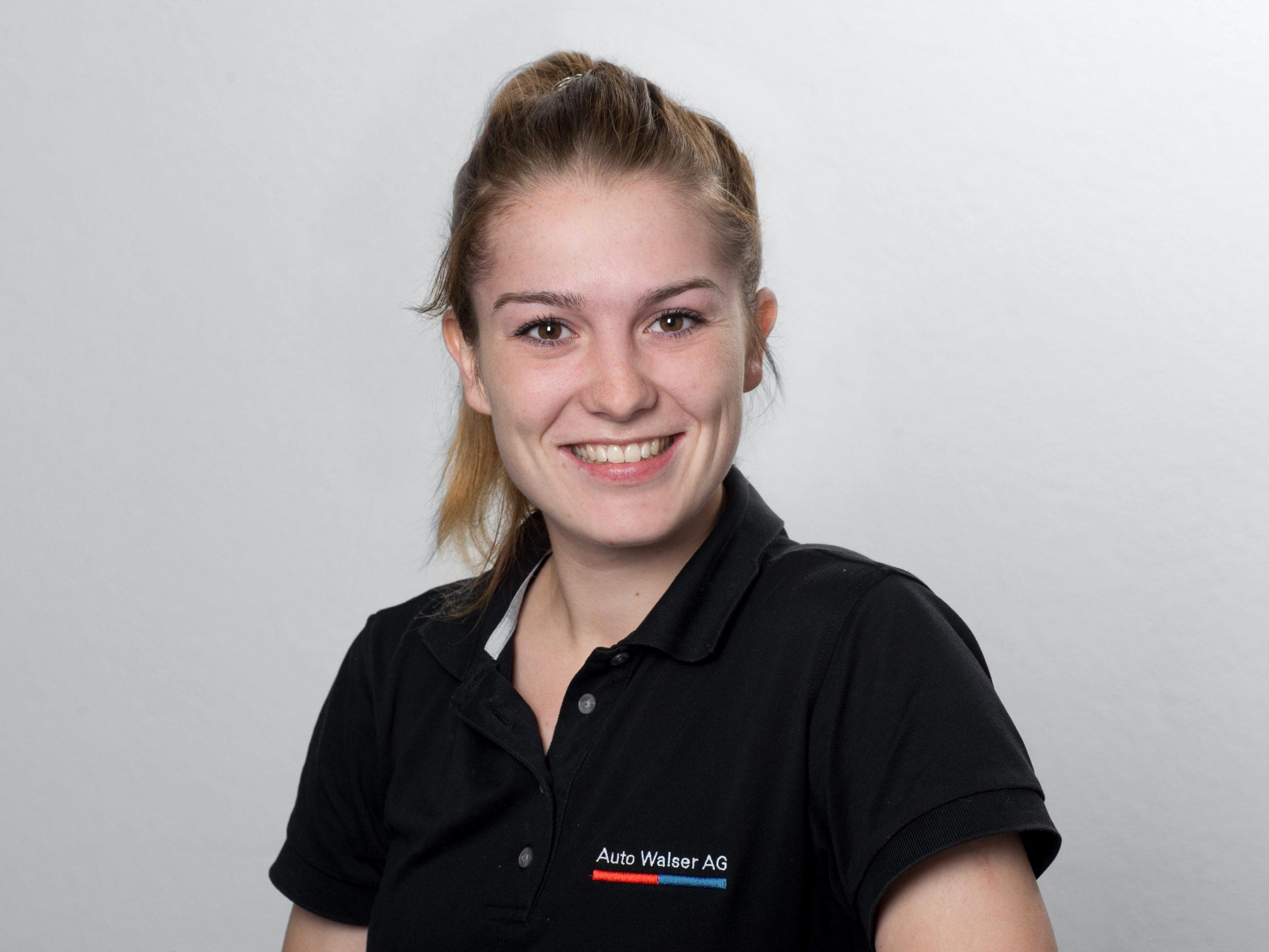 Claudia Ackermann : Carrosserielackiererin